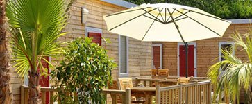 mobile-home terrasse parasol